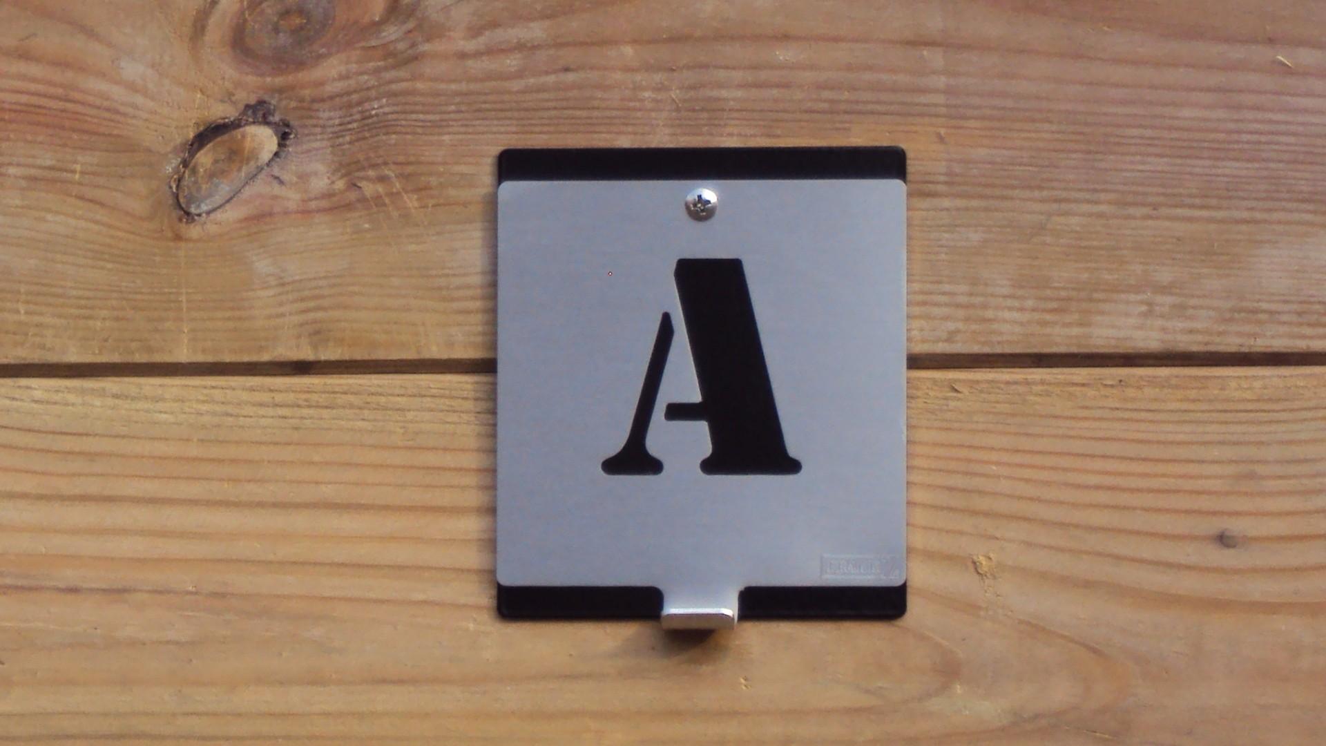 letterkapstok_a
