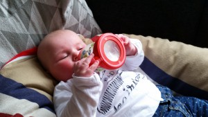 4-15-NUK-Trainingsfles-handgreep-flesvoeding-handje-baby-nanny-annelon-blog-1