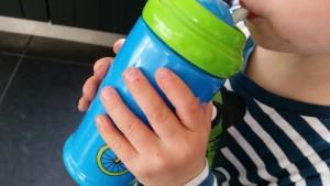 5-15-bargje-big-drinkbeker-rietjesbeker-rietje-school-meeneembeker-baby-babyplein-drinken-melk