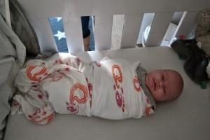 5-15-inbakeren-baby-2-maanden-rustig-slapen-wakker-slaapt