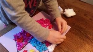 11-15-sinterklaas-knutselen-stoomboot-kleuter-peuter-makkelijk-kort-weinig-tijd-plakken-propjes-papier-marche-nanny-amsterdam-oppas-gastouder-moeder-stoom-watjes