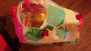 11-15-sintmaarten-lampion-lichtje-voor-op-tafel-melkkan-monster-papier-maché-knutselen-kleuter-peuter-basisschool-juf-dop-gat