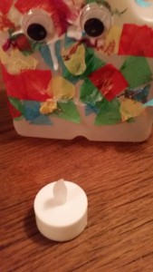 11-15-sintmaarten-lampion-lichtje-voor-op-tafel-melkkan-monster-papier-maché-knutselen-kleuter-peuter-basisschool-juf-lichtje