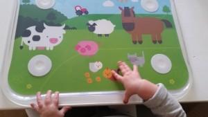 11-15-table-top-stokke-handig-kinderen-baby-zelf-leren-eten-nanny-moeder-amsterdam-af