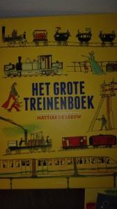 Het grote treinenboek - gek zijn op treinen - door jaren heen - geschiedenis - vrachttreinen - passagier treinen - industriele revolutie - bijzondere illustraties - nanny - Annelon