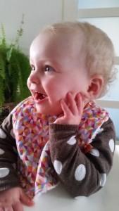 2-16-slab-vetvis-kleur-vrolijk-eten-baby-kinderen-nieuw-merk-meisje-nanny-annelon-boef-gezicht-vrolijk