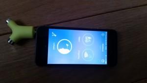 3-16-temperatuur-opmeten-baby-niet-rectaal-voorhoofd-telefoon-smart-wishbone-app-iphone-nanny-moeder-blog