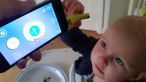 3-16-temperatuur-opmeten-baby-niet-rectaal-voorhoofd-telefoon-smart-wishbone-app-iphone-nanny-moeder-blog-baby