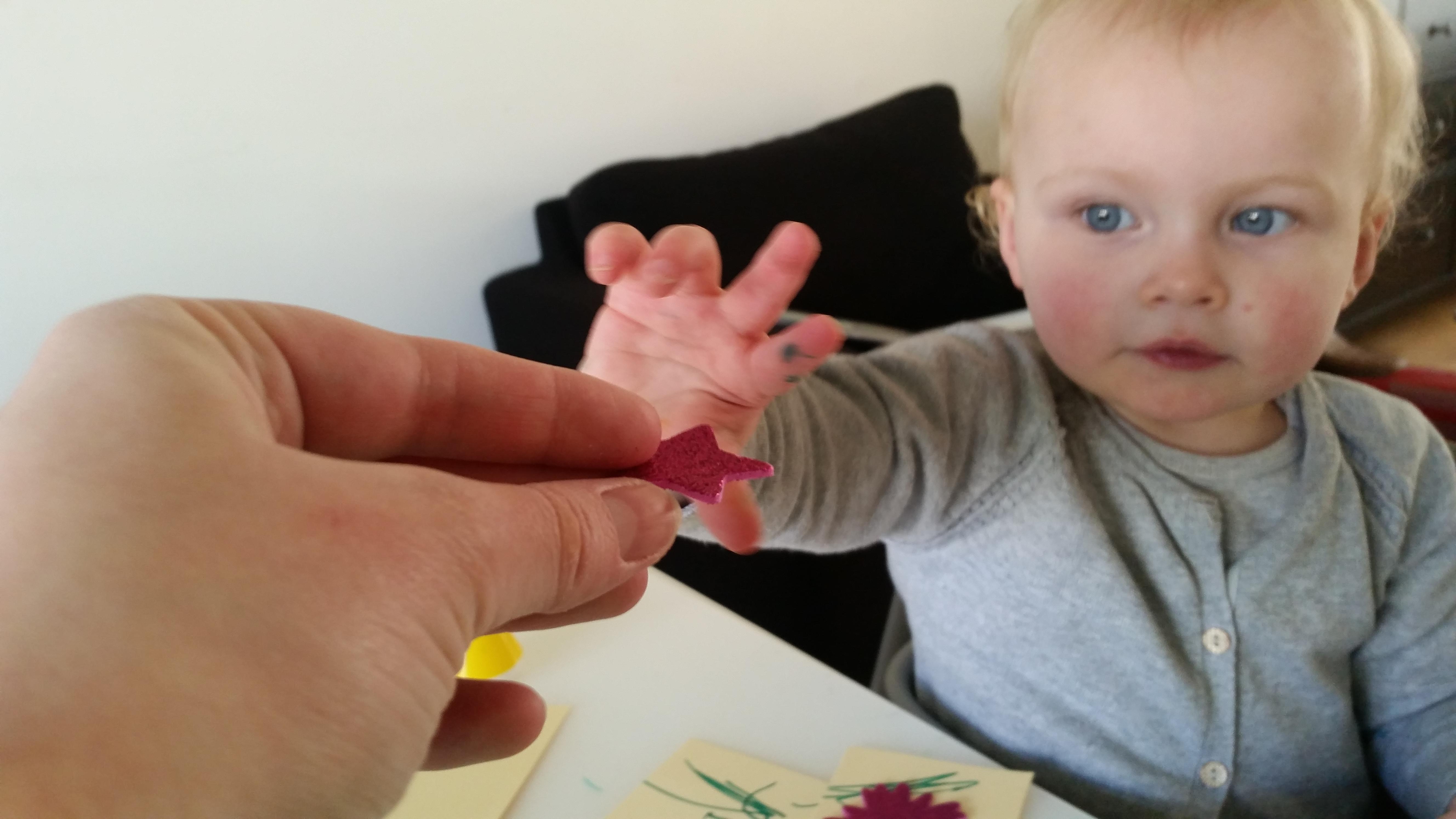 4-16-bellenblaas-traktatie-trakteren-creatief-vlinder-samen-dreumes-zelf-tekenen-kleuren-stiften-nijntje-stickers-hema-action-stickeren-Nola-mooi-kinderdagverblijf-creche-verhuizen-afscheid-