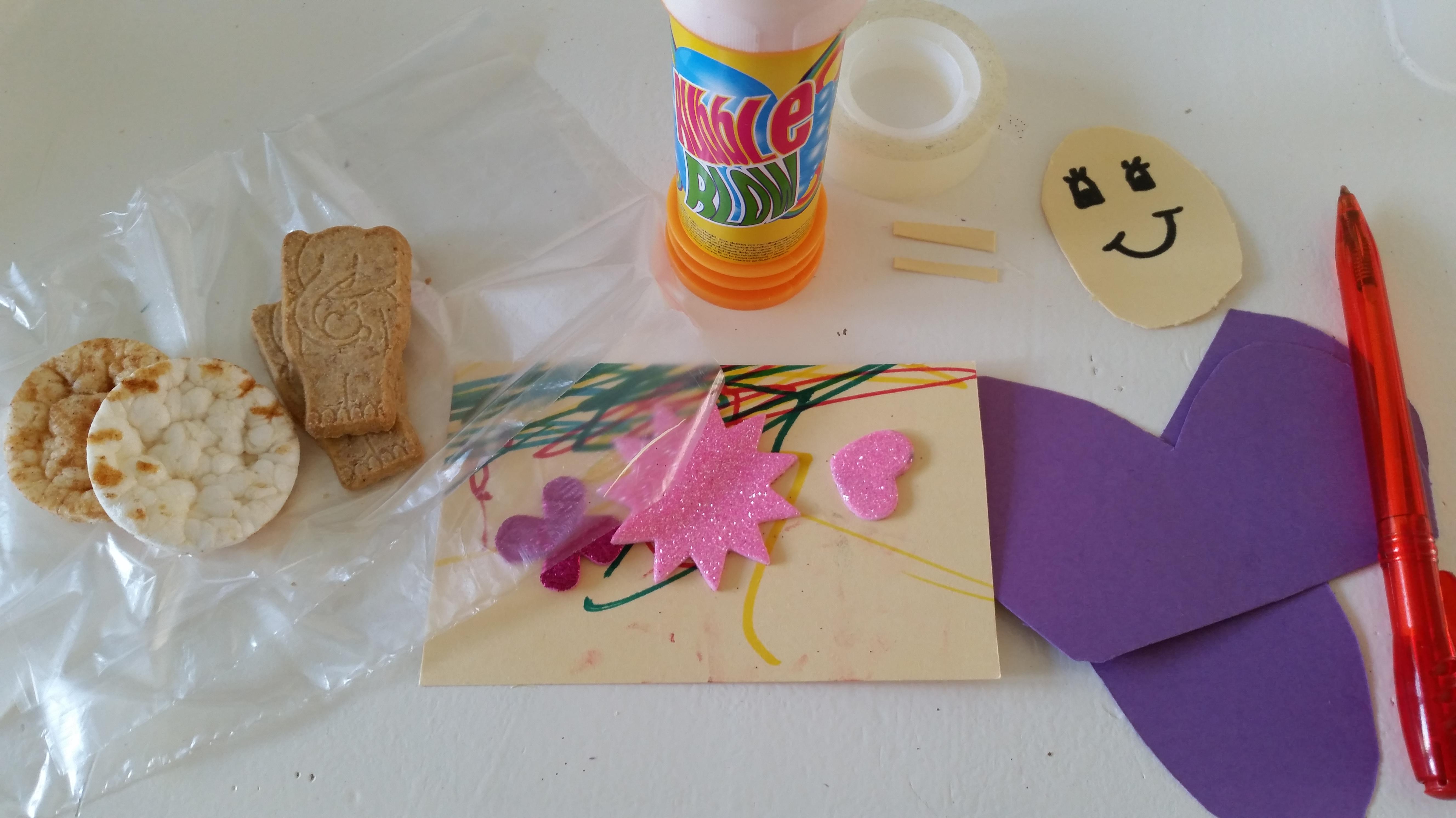 4-16-bellenblaas-traktatie-trakteren-creatief-vlinder-samen-dreumes-zelf-tekenen-kleuren-stiften-nijntje-stickers-hema-action-stickeren-Nola-mooi-kinderdagverblijf-creche-verhuizen-afscheid--3