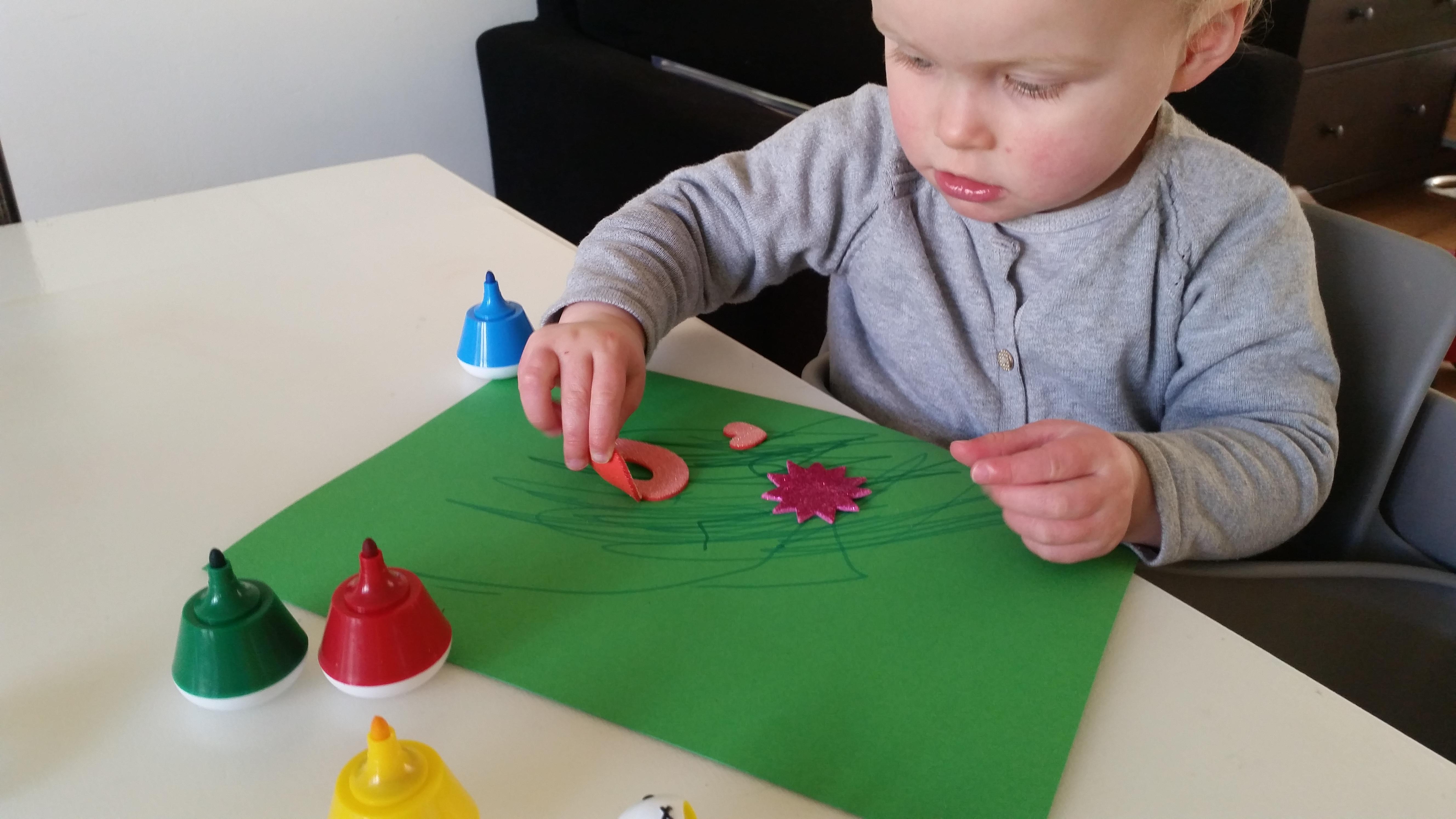 4-16-bellenblaas-traktatie-trakteren-creatief-vlinder-samen-dreumes-zelf-tekenen-kleuren-stiften-nijntje-stickers-hema-action-stickeren-Nola-mooi-kinderdagverblijf-creche-verhuizen-afscheid--st-