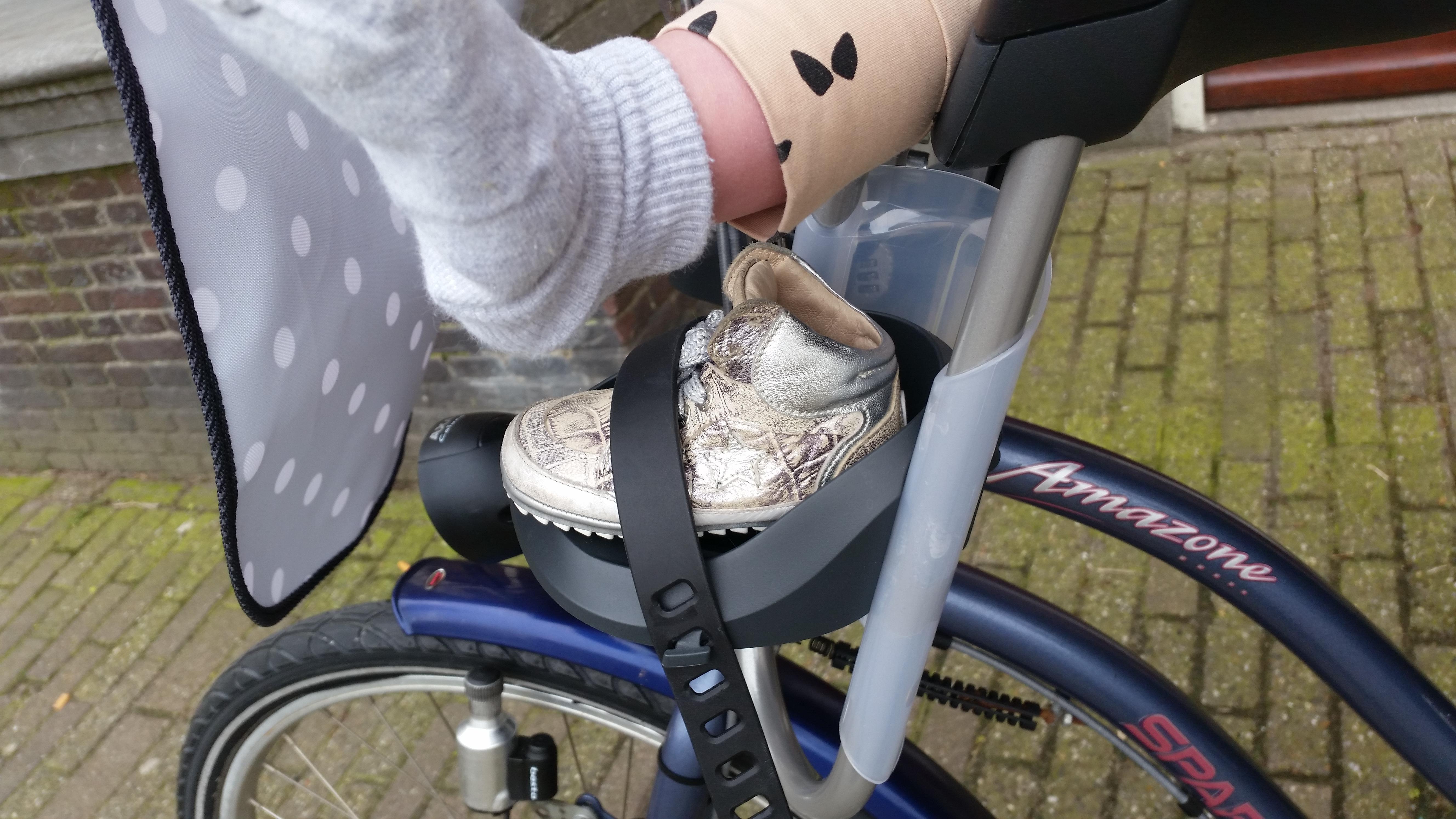 4-16-qibbel-fiets-fietszitje-voor-voorzitje-baby-13-kilo-kilogram-baby-zes-maanden-op-de-fiets-ervaring-review