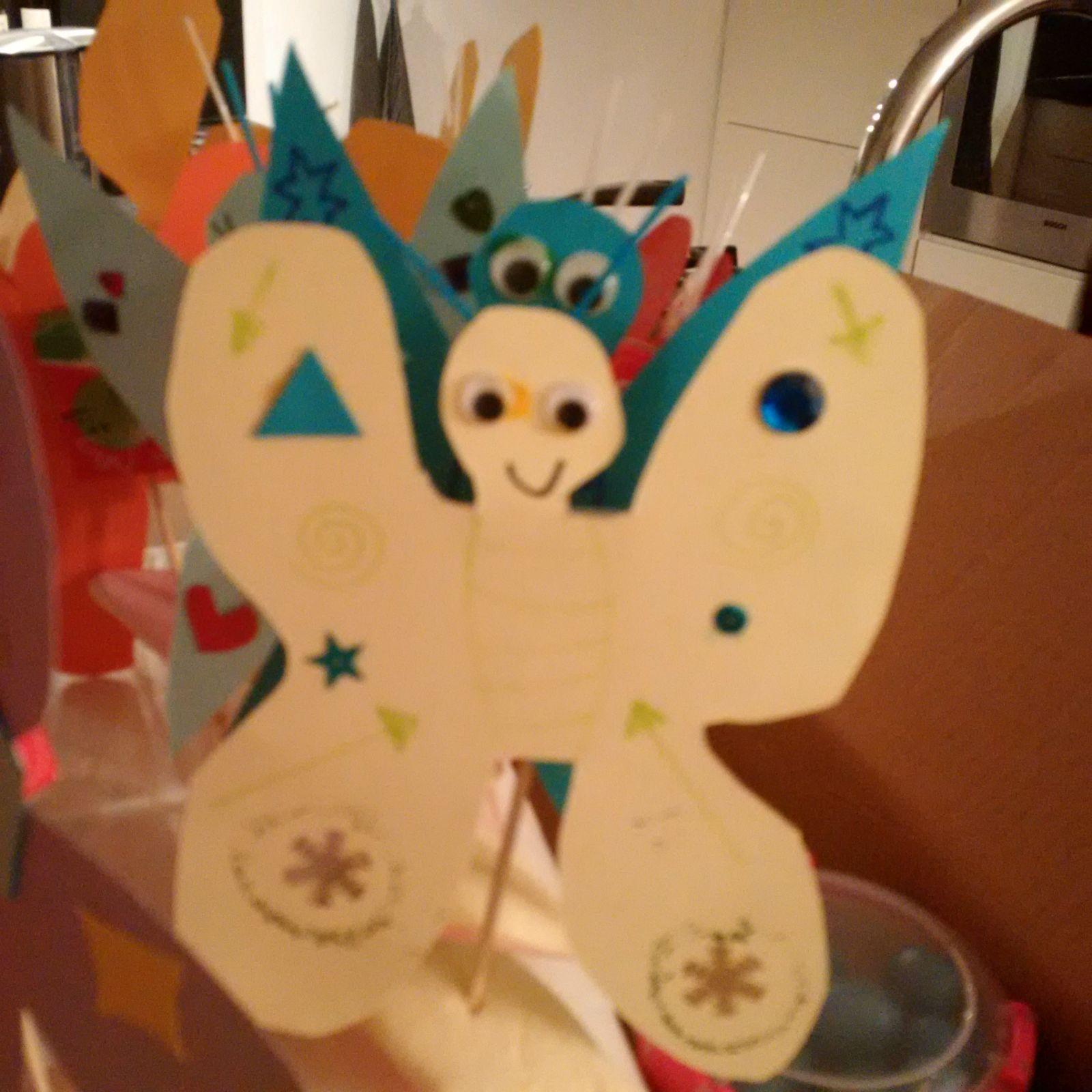 4-16-vlinder-traktatie-trakteren-peuter-kleuter-school-basisschool-meisje-leuk-makkelijk-samen-jarig-verjaardag-kinderen-blog-mama-nanny-moeder-amsterdam-geel