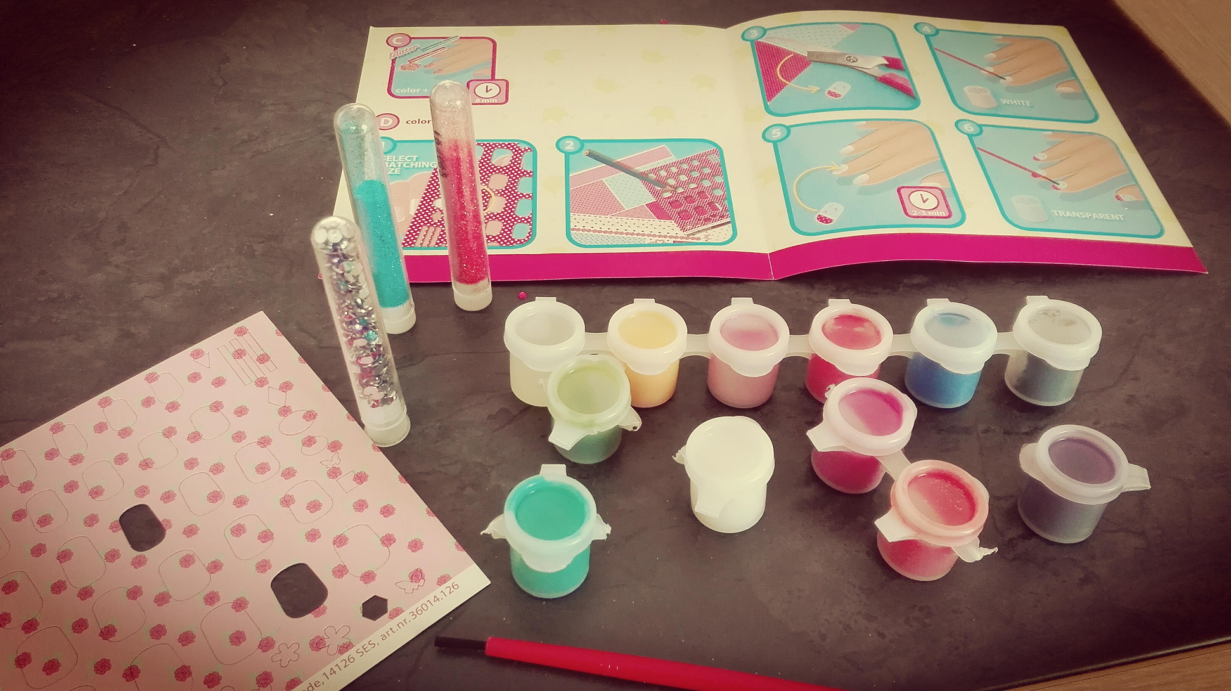 Ses Creative meisjes knutselen nagels versieren nagellak voor kinderen glitters instructieboekje nanny annelon meiden middag lekker friemelen en mooi make5