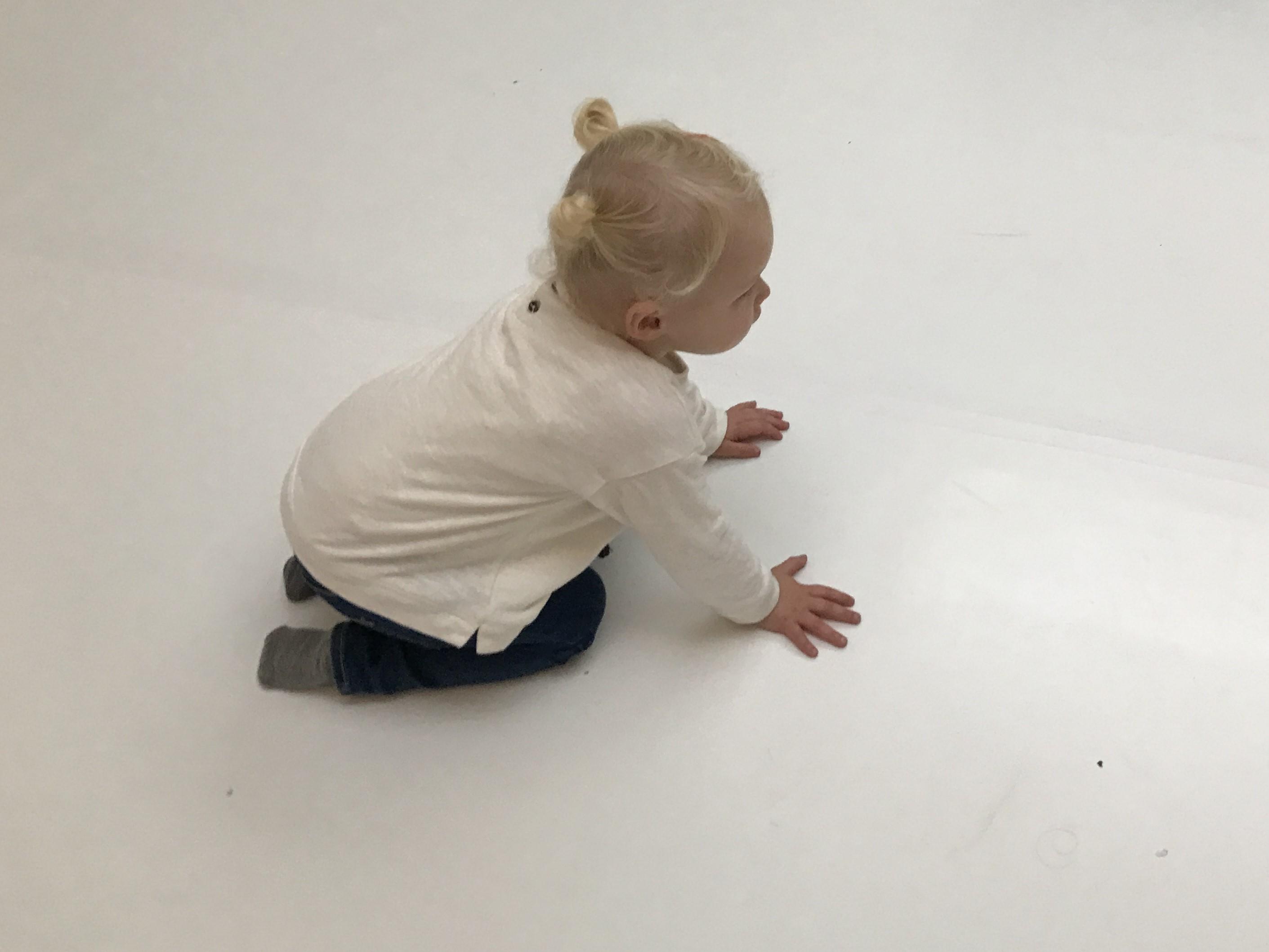 10-17-peuterdans-twee-jaar-2-kinderen-peuter-sport-bewegen-gezond-amsterdam-oost-vrijdag-dinsdag-dansen-dans-kastanje-herfst-baby-activiteit