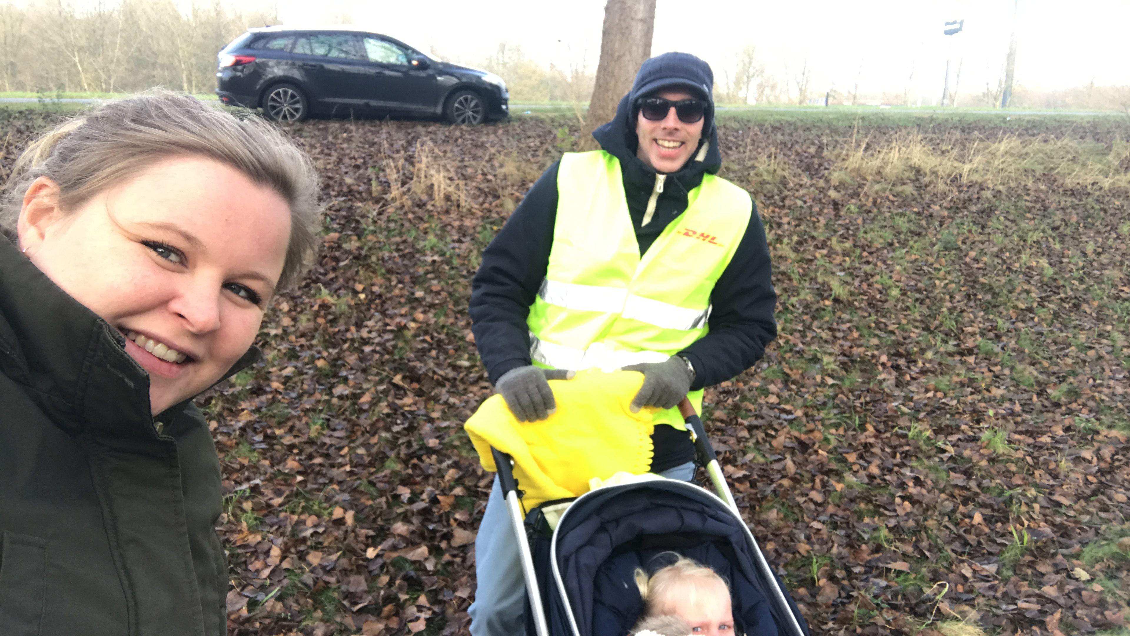 11-16-pech-onderweg-autopechanwb-kinderen-kleine-baby-kind-wat-doen-alarm-uit-de-auto-ervaring-nanny-moeder-amsterdam-blij
