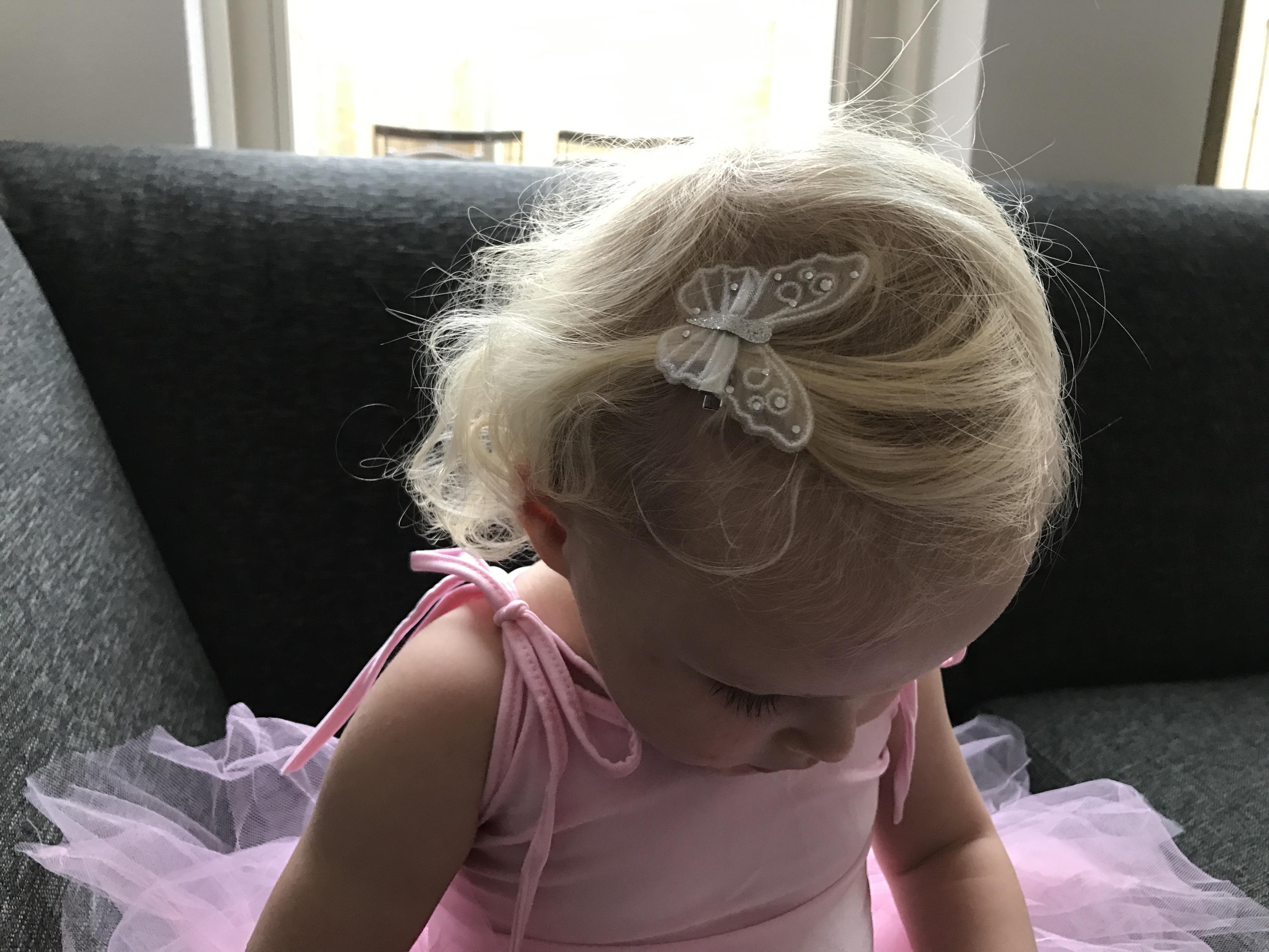 11-16-zenner-haarband-zilver-vlinders-kerst-sinterklaas-cadeau-tip-ballerina-mooi-haar-haaraccessoires-2-jaar-nanny-moeder-amsterdam-elastiekjes-klip