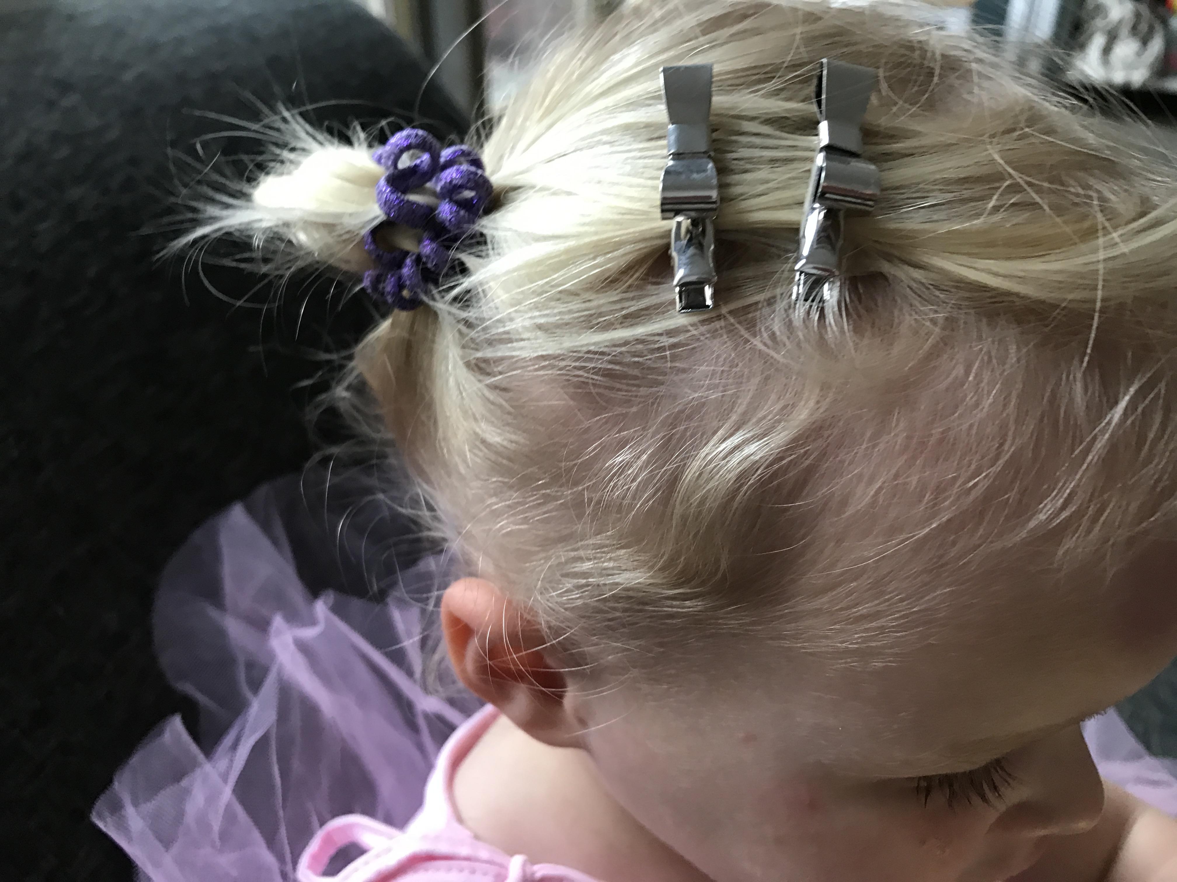 11-16-zenner-haarband-zilver-vlinders-kerst-sinterklaas-cadeau-tip-ballerina-mooi-haar-haaraccessoires-2-jaar-nanny-moeder-amsterdam-elastiekjes