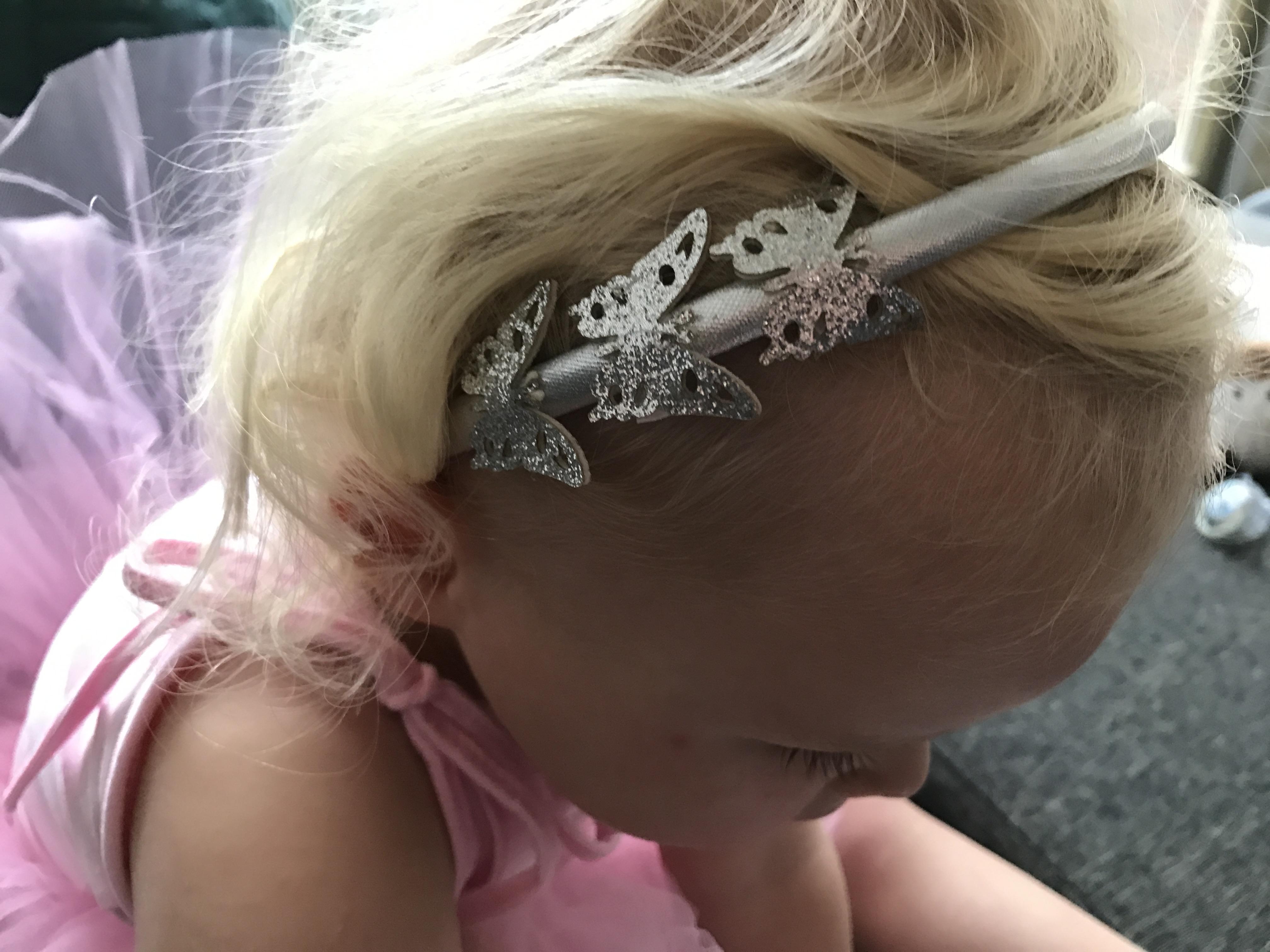 11-16-zenner-haarband-zilver-vlinders-kerst-sinterklaas-cadeau-tip-ballerina-mooi-haar-haaraccessoires-2-jaar-nanny-moeder-amsterdam