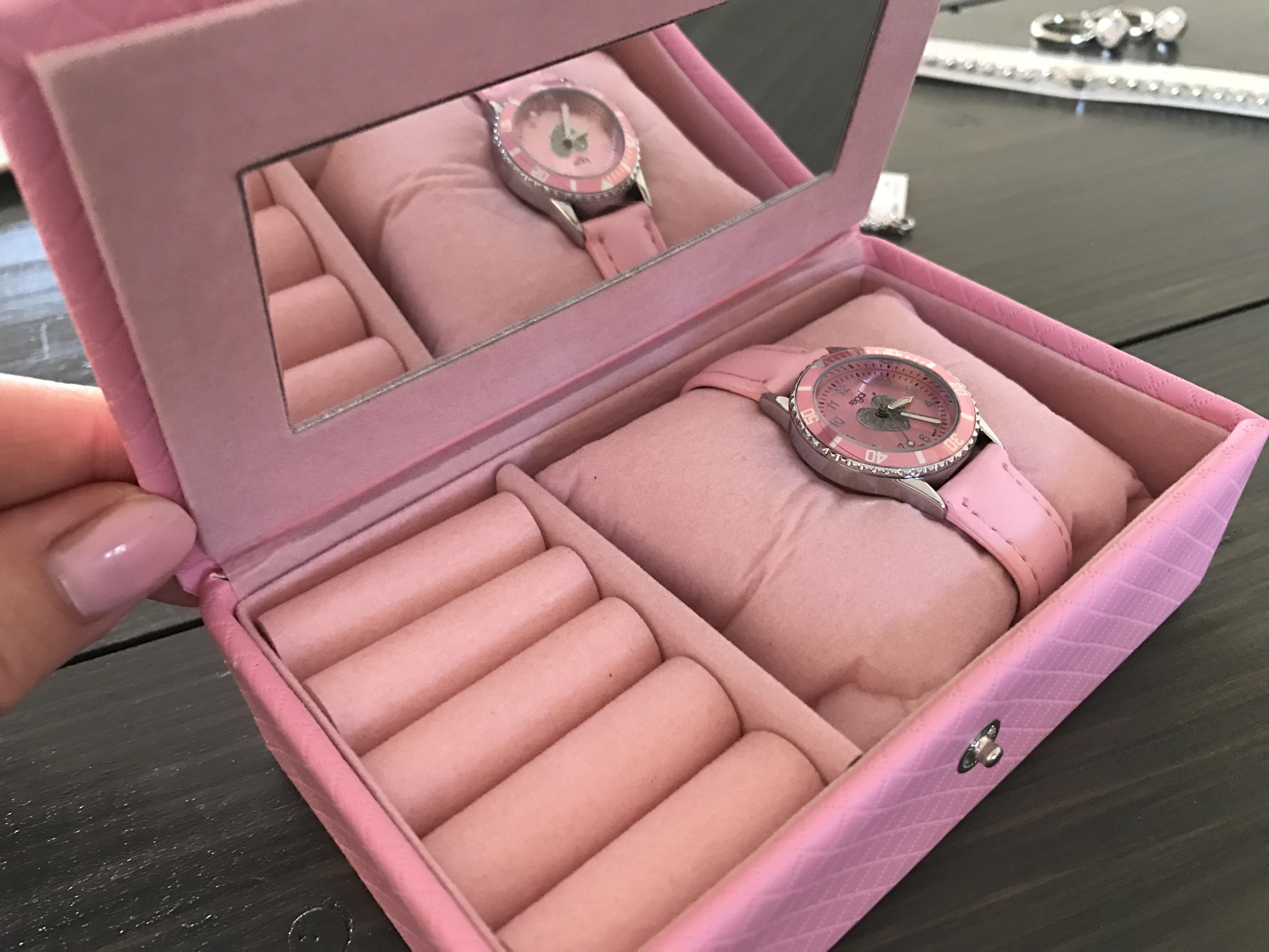 12-16-lucardi-juwelier-blog-review-ervaring-armbandjes-sweet-to-send-post-kaartje-goedkoop-korting-geboorte-kerst-sinterklaas-cadeau-tip-doosje-horloge-meiden