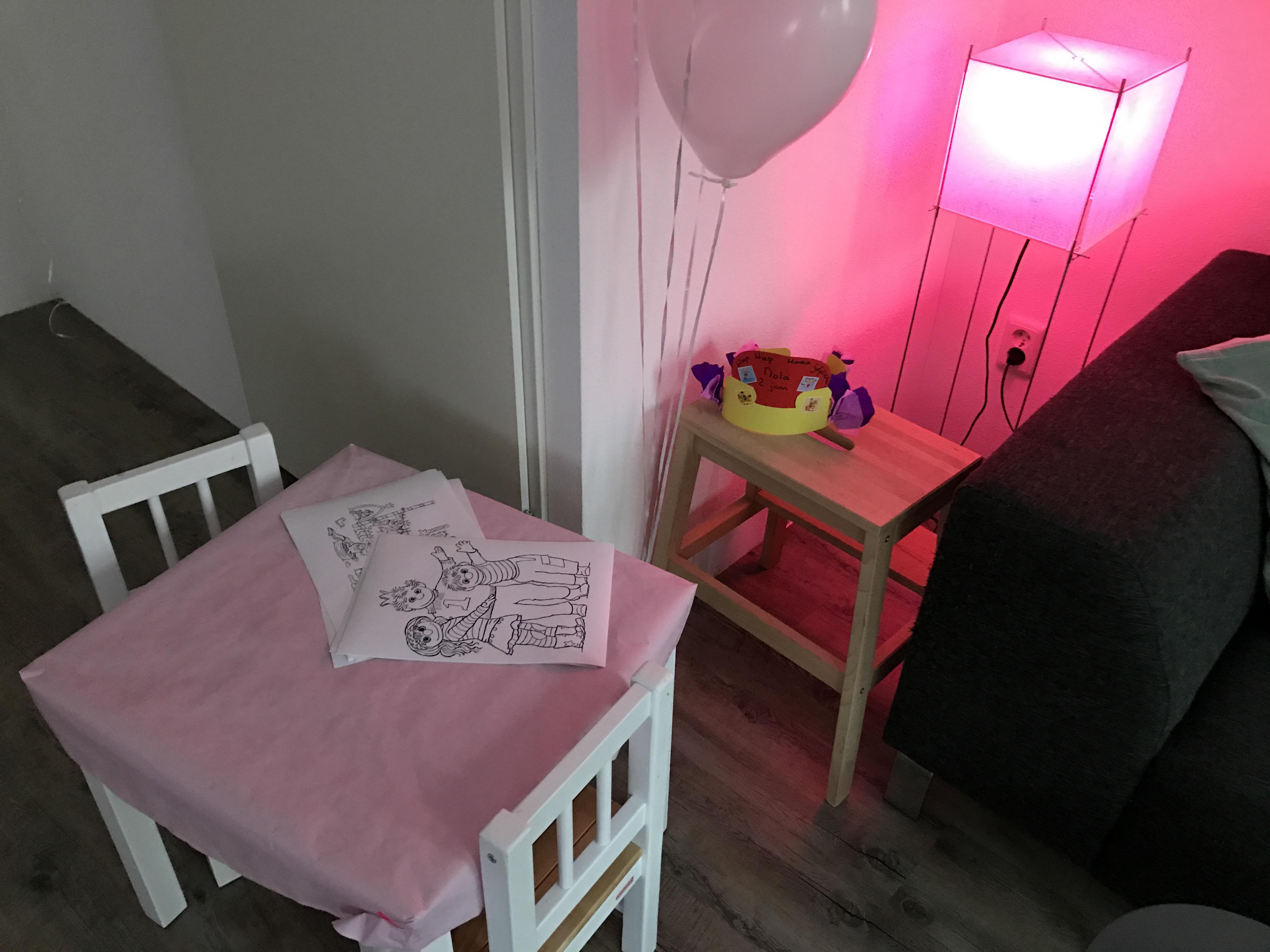 12-16-taart-zandkasteel-nola-2-jaar-verjaardag-verjaardagstaart-baby-meisje-kind-roze-thema-zand-dag-bestellen-balonnen-helium-nanny-moeder-amsterdam-diemen-vriendinkleuren