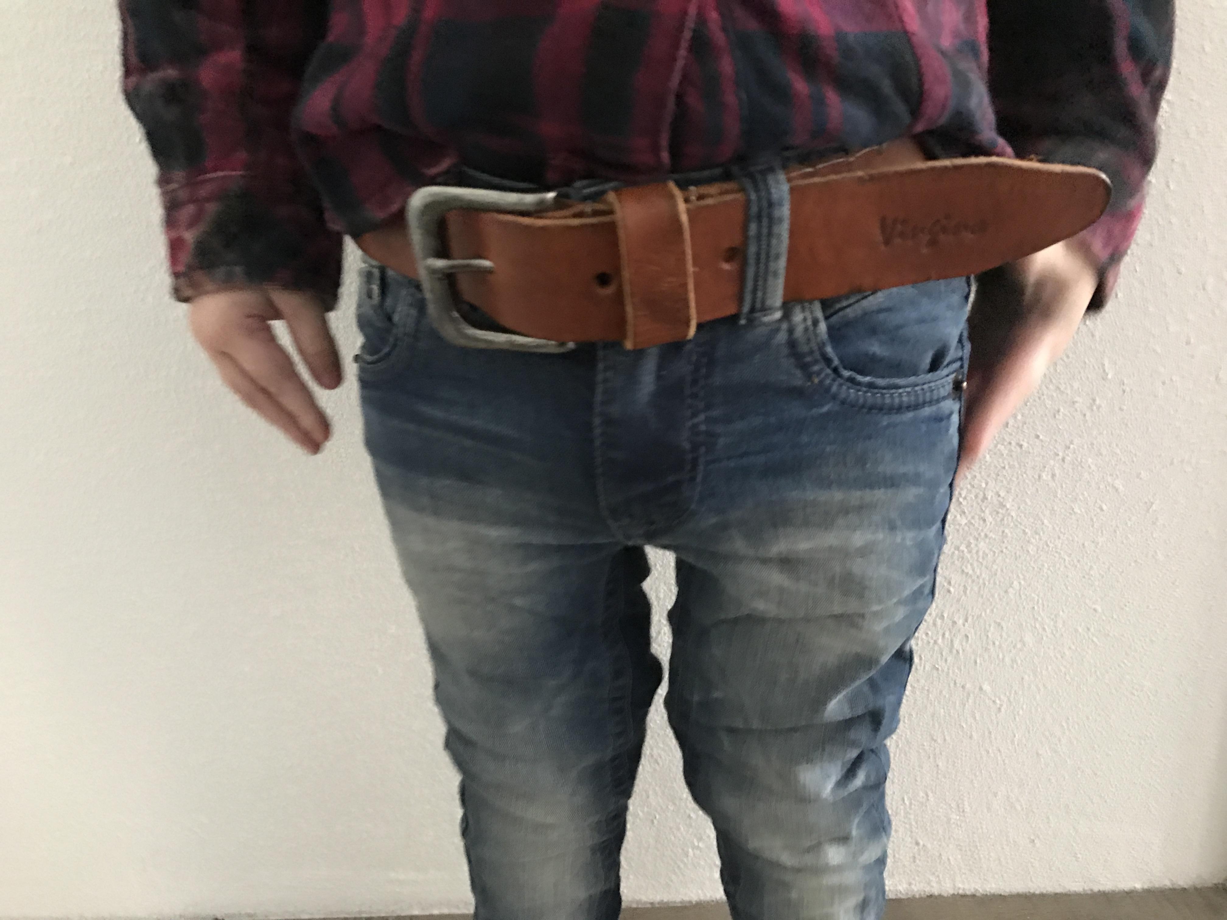 edf39c48823f00 Vingino staat bekend om zijn jeans. Ze zijn goed van kwaliteit en gewoon  heel mooi. De jeans rollen zij altijd op zodat je een mooi effect hebt  zodra je hem ...
